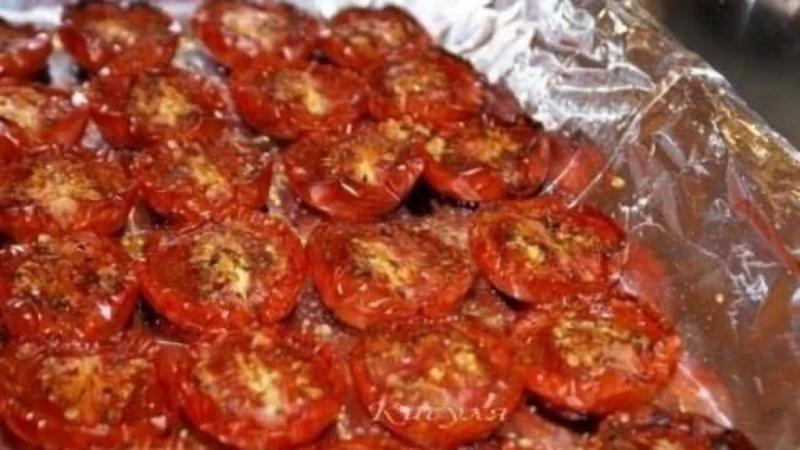 Готовим вяленые помидоры сами