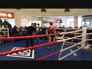 Артем Рахимов(красный угол) vs Шмыков Вадим (синий угол)