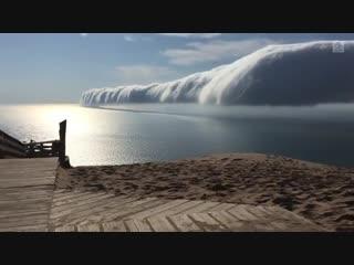 Облако-рулон над Великим озером Мичиган, США (ноябрь 2018 года).