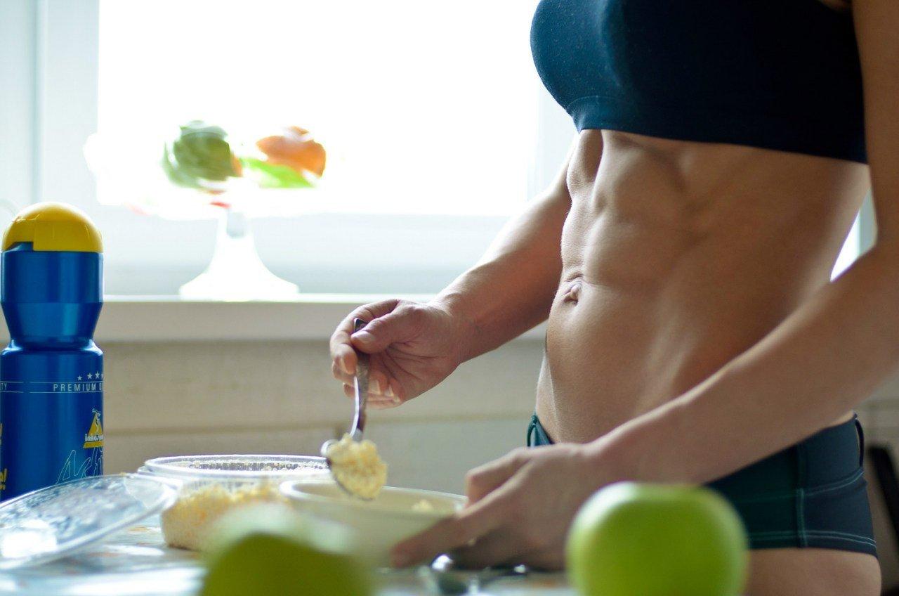Завтрак важен при потроении мышц