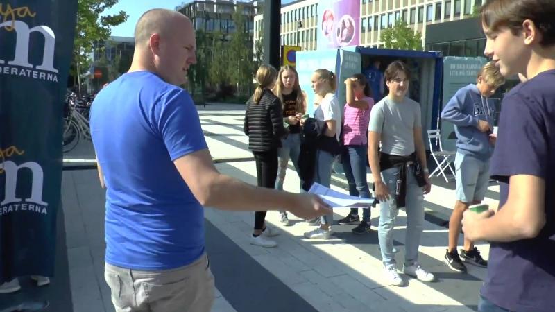 Nordisk Ungdom trollar Moderaterna!