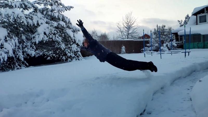 Снежные забавы. Снежная завеса. Лес, зима, красота. Замедленное видео.