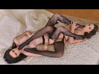 Diana dolce & liz heaven [hd 720, lesbian, foot fetish, feet, worship, stockings, heels, brunette, natural tits]
