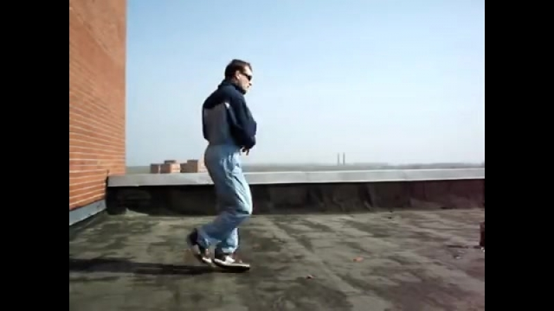 Old school freestyle dnb dance on roof. Creative. 10 years ago