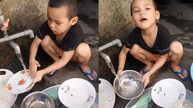 Tội cho thằng bé 6 tuổi đã phải rửa bát giúp mẹ ❤ Trò chơi trẻ em ❤ Trò chơi rửa bát đũa giúp mẹ