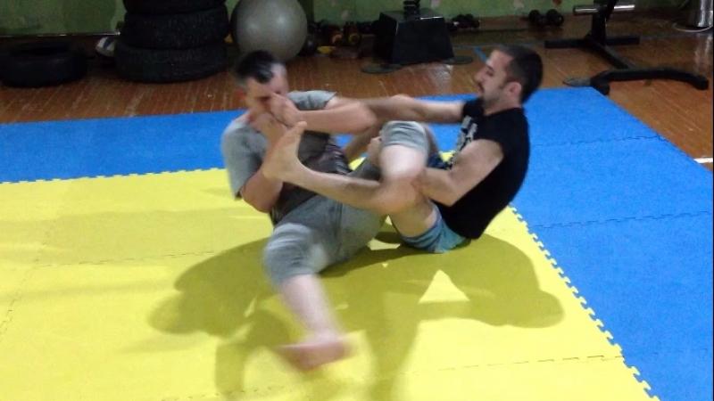 Выход на болевой на ногу из позиции бэкмаунт Киров мма Борьба спорт гулямов тимур