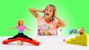 Супер Герл выгнали из Школы гимнастики. Куклы Барби видео для девочек.