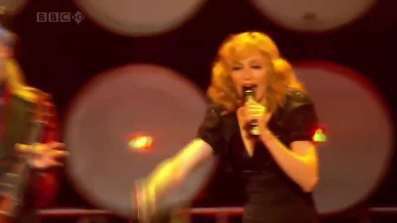 Madonna feat. Gogol Bordello - La Isla Bonita
