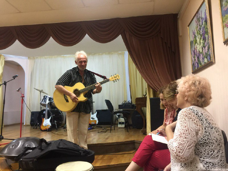 В клубе культуры и эстетики на улице Юннатов прошел кастинг самодеятельных артистов