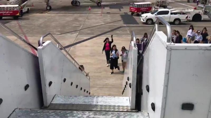 2018 10 01 JG departs from Chiang Rai to Bangkok 이준기 LeeJoonGi LeeJunKi イジュンギ イジュンギ 李準基 李准基 อีจุนกิ ลีจุนกิ JGThai