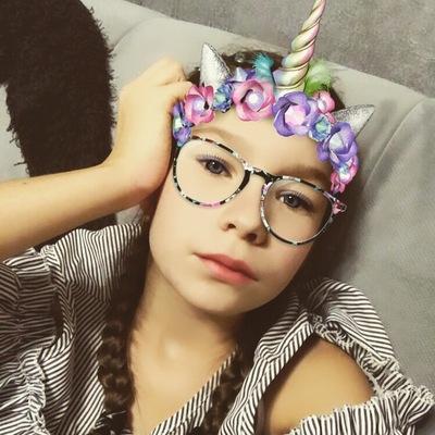 Вика Селиванова