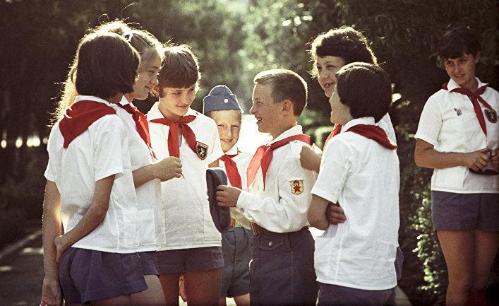 В лагерь дневного пребывания г. Красногорск требуются девушки-вожатые