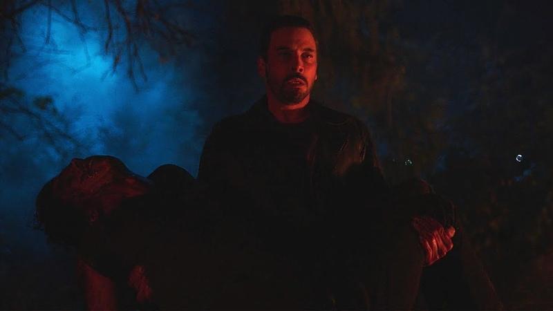 Riverdale 2x21 Ending: FP carries Jughead's unconcious body (2018) HD
