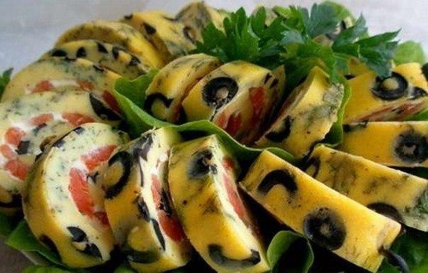 Закусочные рулеты из красной рыбы (6 рецептов)