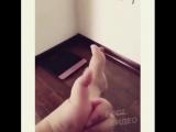 Синхронные танцы пальцами руки и ноги