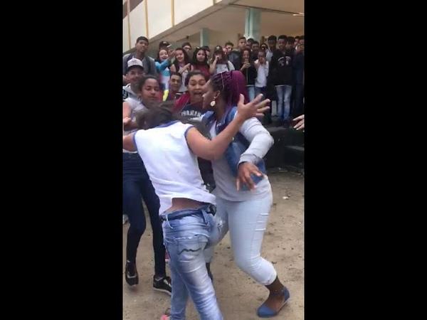 Briga de mulher na escola, melhor chute da história