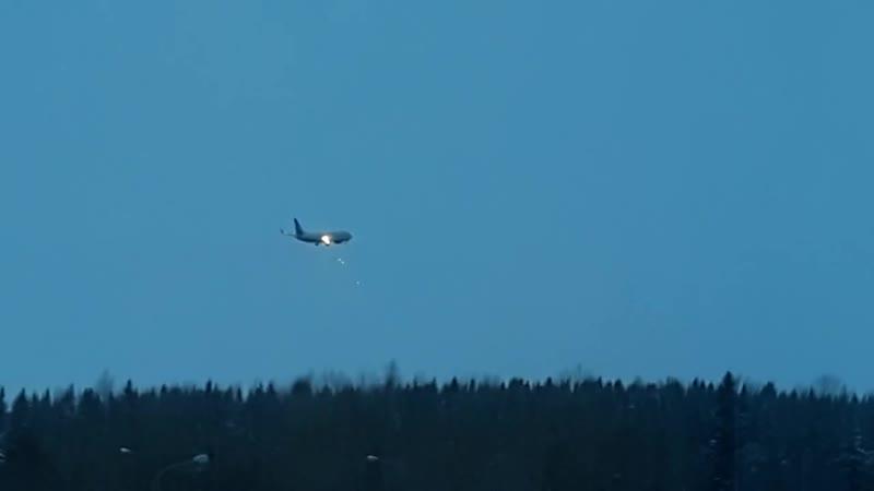 Приземление угнанного самолета в Ханты-Мансийске