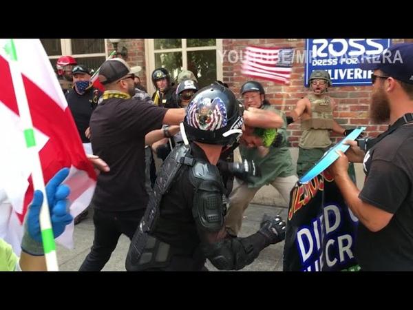 Гибридная гражданская война в Америке За Трампа и против Трампа Антифа и ультра правые Столкновения на улицах в Портленде MASSIVE Antifa Riot in Portland Eggs Bricks M80s More
