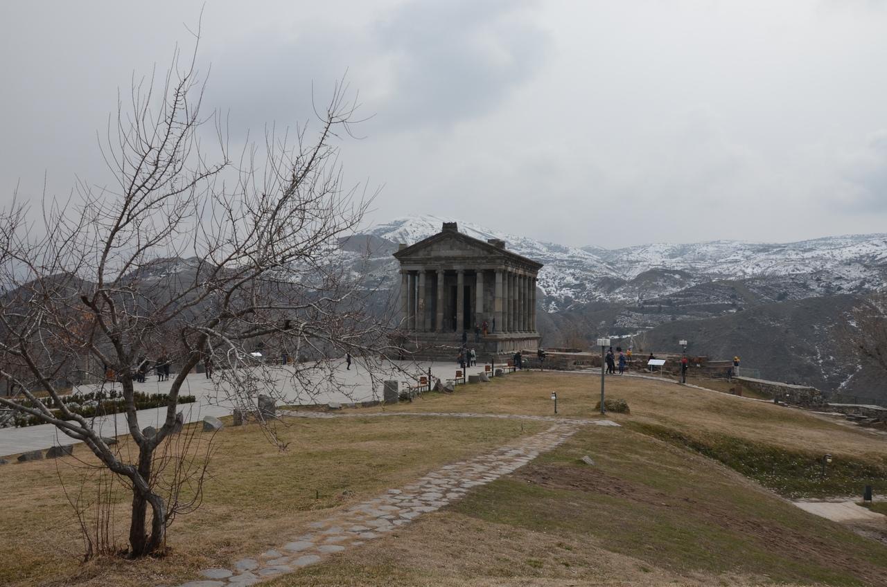 OWLGgiuKWxM Гарни Армения.