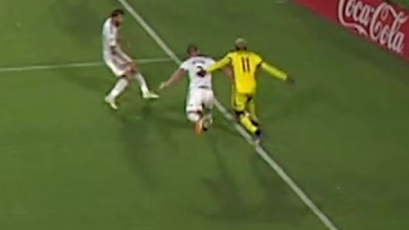 Did LA Galaxys Zlatan Ibrahimovic deserve a penalty