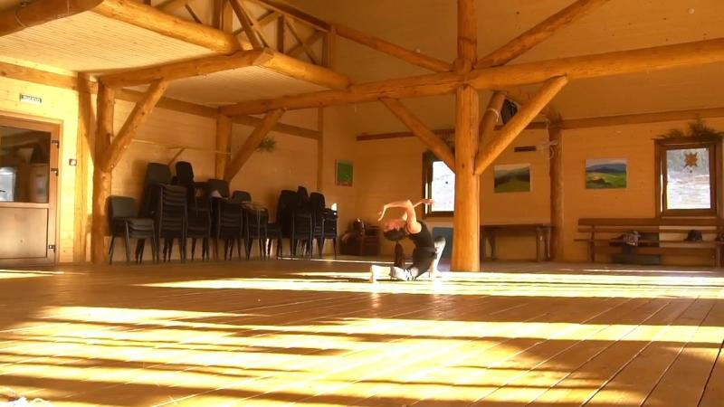 Alina Tskhovrebova.solo.wood.Karpaty