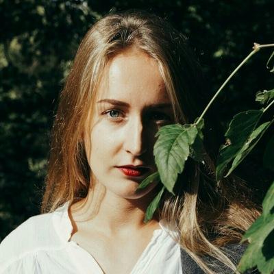 Даша Поникарова