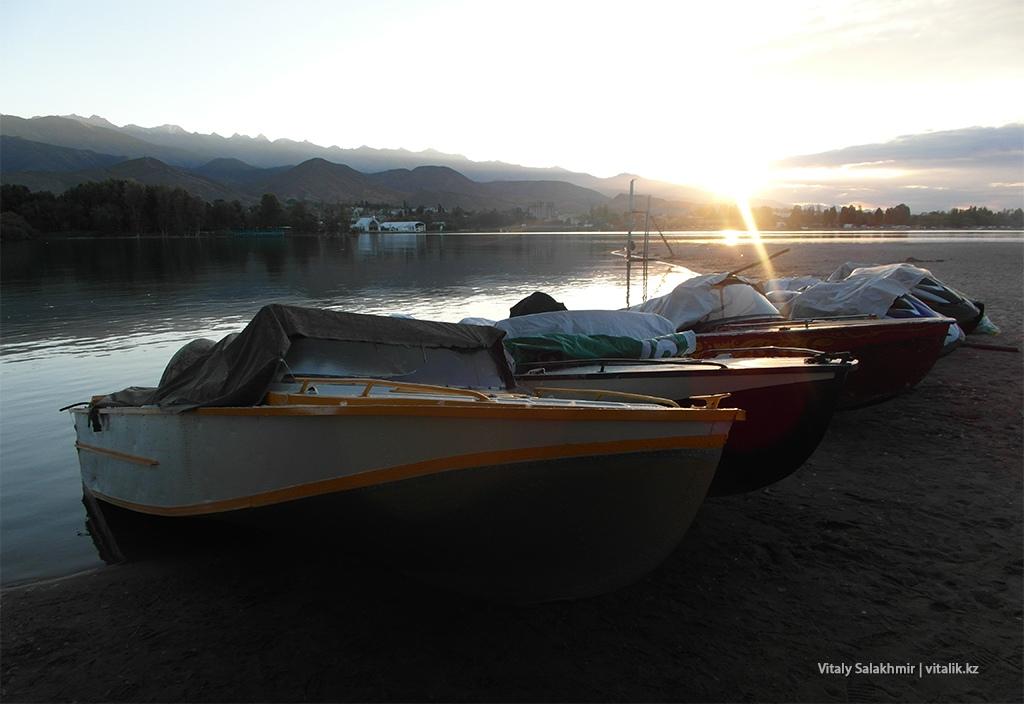 Лодки на рассвете, Чолпон-Ата 2018