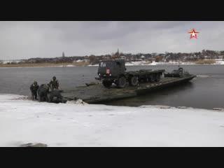 Два берега одного из притоков Дона под Ростовом связали военнослужащие ЮВО