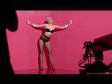 Фотосессия Майли Сайрус для рекламы колготок Golden Lady