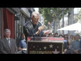 Jeff Goldblum closes out his Walk of Fame ceremony by singing the JurassicPark theme