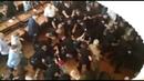 На заседании горсовета Конотопа произошла массовая драка 50 титушек задержаны