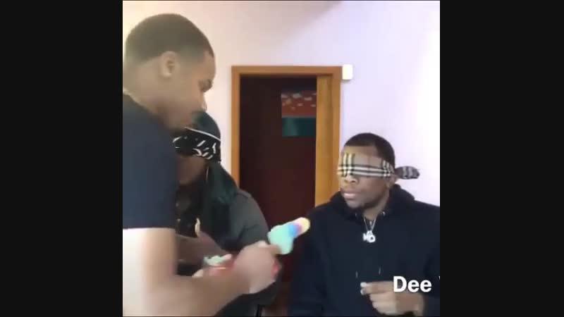 Когда решил поиграть с другом