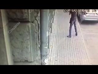 Мужчина открыл огонь по полицейским в центре Москвы