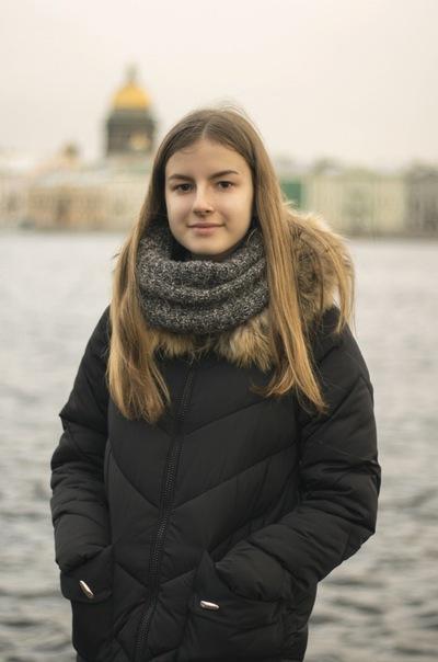 Милана Молчанова