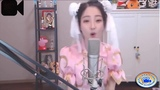 Chinese girl singing O-Zone - Dragostea Din Tei (24h version)