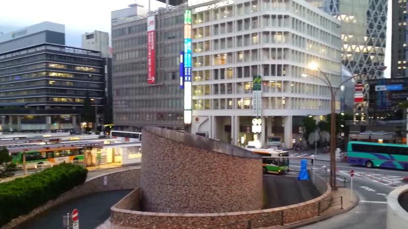 Прикольный небоскреб на Shinjyuku, Япония!