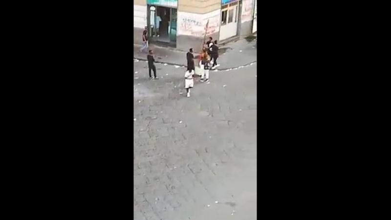 Napoli quartiere Vasto una persona a... - Napoli Internazionale
