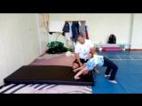 Акробатика, тренировка в средней группе