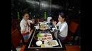 """Ресторан COSMOS в Нячанге, BBQ из Морепродуктов. 餐厅""""COSMOS""""烧烤和海鲜火锅。 城市芽庄,越南。"""