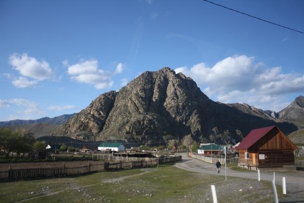 Красивый рельеф горы.