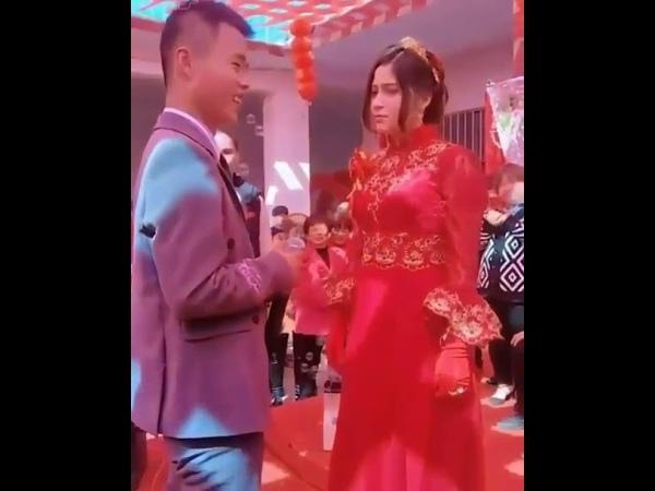 Уйгурских девушек Партия Китая вынуждает выходить замуж за китайцев хань!