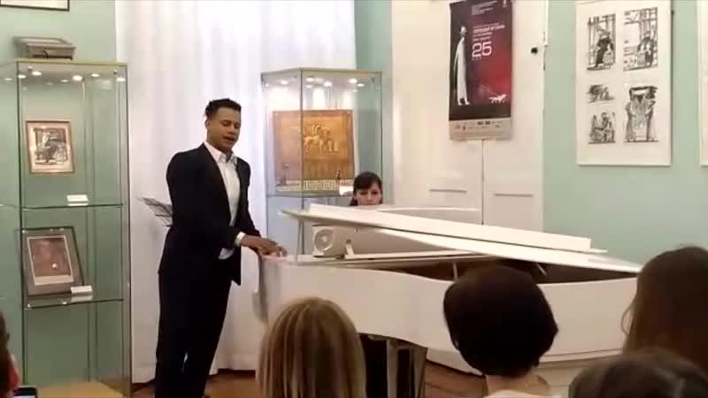 Песня На солнечной поляночке, слова А. Фатьянова (исполняет Иван Иванович)
