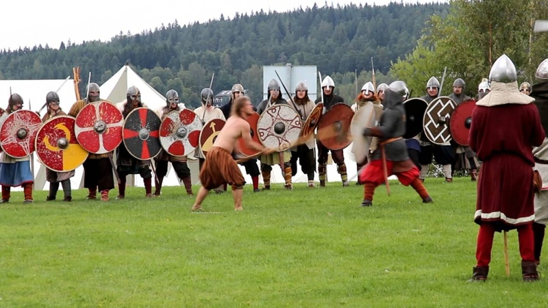 Häme Medieval Fair Hämeenlinna Finland Novgorodian Karelian pirate raid Tavastia in 1043 by Kari Grö