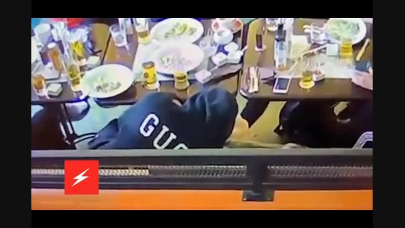 Жена Мамаева поделилась видео футболиста с любовницей.