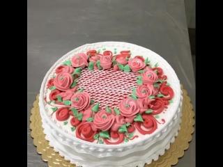 Милый торт с сердечком и цветами!