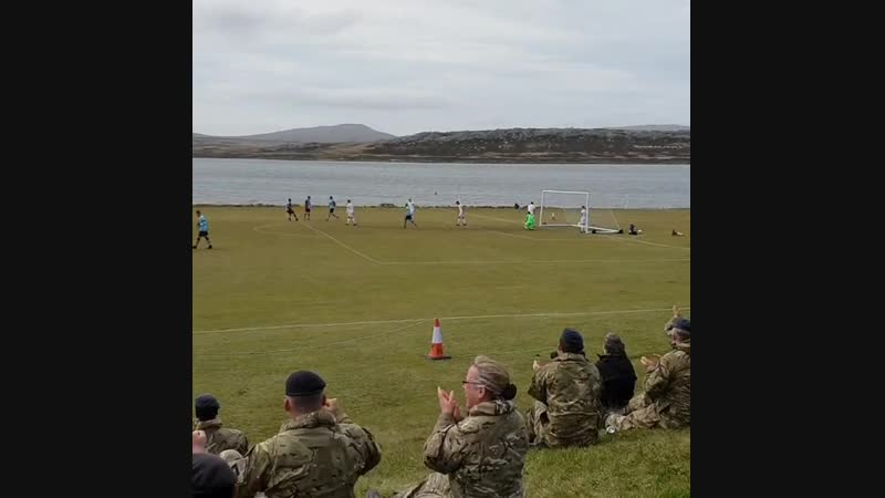 Наш! Пускай маленький, крохотный, но свой футбол! Игра между FA Representative XI и BFSAI(British Forces South Atlantic Isl)