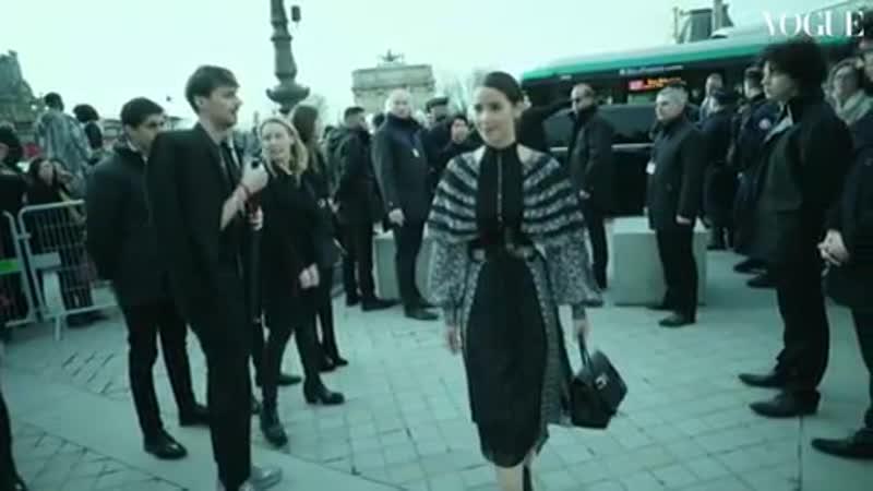 Яя Урассая Спербунд Париж шоу Louis Vuitton осень зима 2019