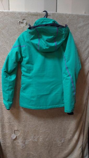 Зимнюю куртку фирмы Salomon