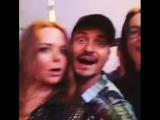 Лив, Орландо, Стелла, а также Джонни на выступлении Пола МакКартни