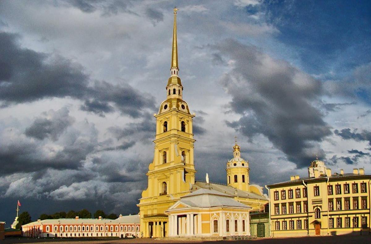 mPvIaVbnTAU Петропавловский собор в Санкт-Петербурге.